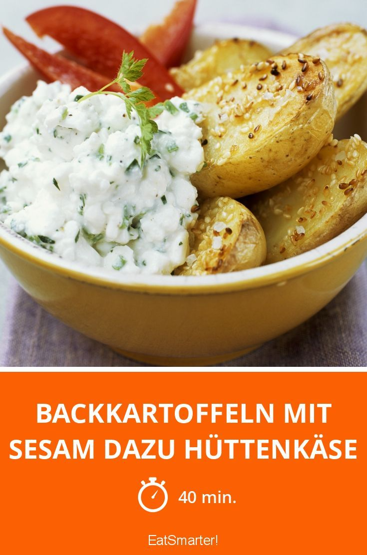 Backkartoffeln mit Sesam dazu Hüttenkäse - smarter - Zeit: 40 Min.   eatsmarter.de