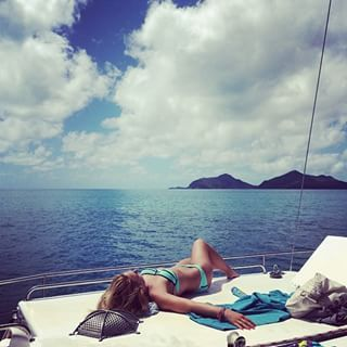 Charter a yacht in the Whitsundays | 40 Uniquely Australian Experiences To Add To Your Bucket List