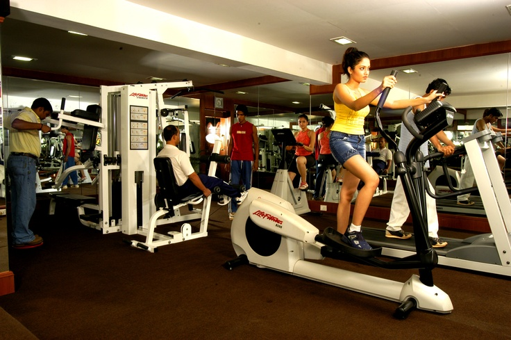 Named 'DE REGALIA'. Located besides the swimming pool, consists of fitness room, massage room including sauna & Jacuzzi. Open from 0600 hrs to 1100 hrs in the morning and from 1500 hrs to 2000 hrs in the evening. The fitness center is a fully equipped gym with cardio vascular equipments.