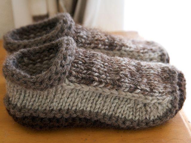 Free knitting pattern:  slippers.
