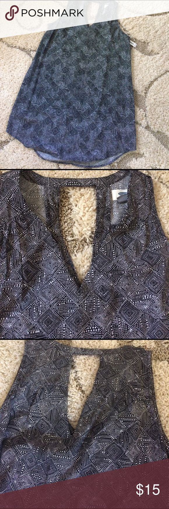 """NWT dress NWT dress. Back white multi print.  Sleeveless. V neck with keyhole in back 100% viscose, feels like a soft cotton.  32"""" in front. 33"""" in back.  Petite size.  Bust measures 20"""" across. Old Navy Dresses"""