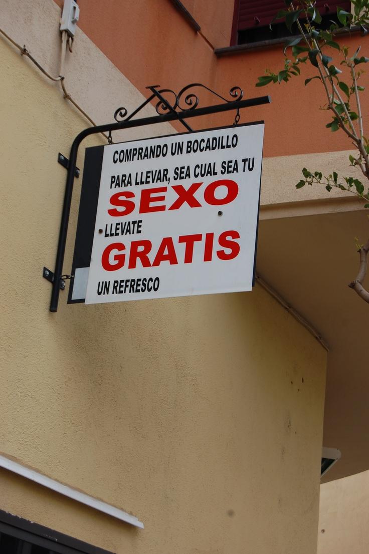 Letrero de un bar de mi ciudad...