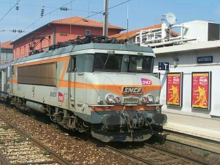 SNCF B22 Electric loco at Antiebes. Several of these were modified to work through the Channel Tunnel as an interim until the dedicated 'Le Shuttle' locos were ready.