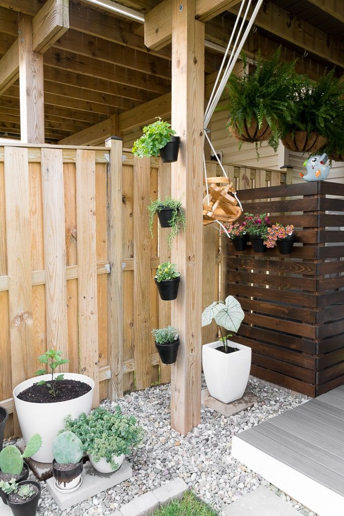 Diy Gardens For Small Spaces Vertical And Container Gardening Ideas Small Backyard Design Small Garden Design Flower Pots Outdoor