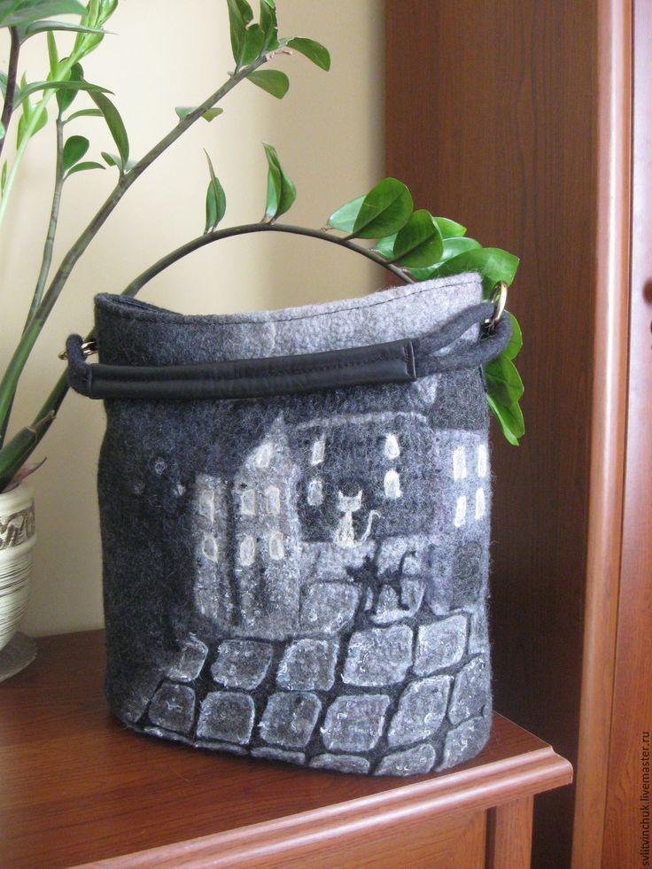 Купить Сумка валяная серая с натуральной кожей Старый город - абстрактный, сумка валяная