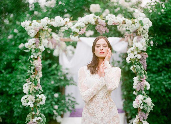 Bride in a Lace Robe | Warmphoto | Sleeping Beauty - An Enchanted Bridal Morning