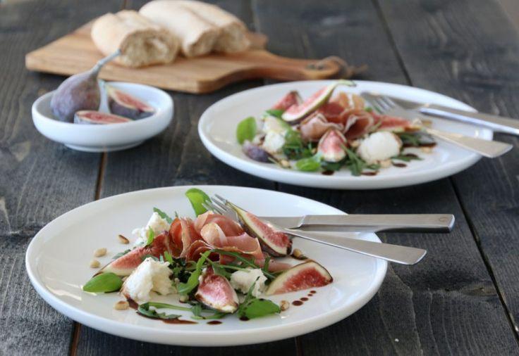 Salat med spekeskinke, fiken og mozzarella