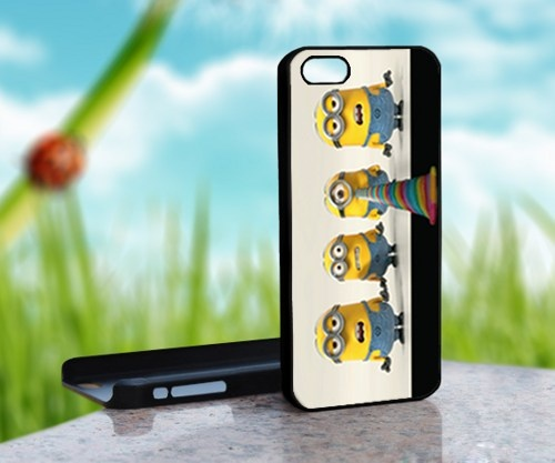 Despicable Me Minions - Print on Hard Cover For iPhone 4,4S