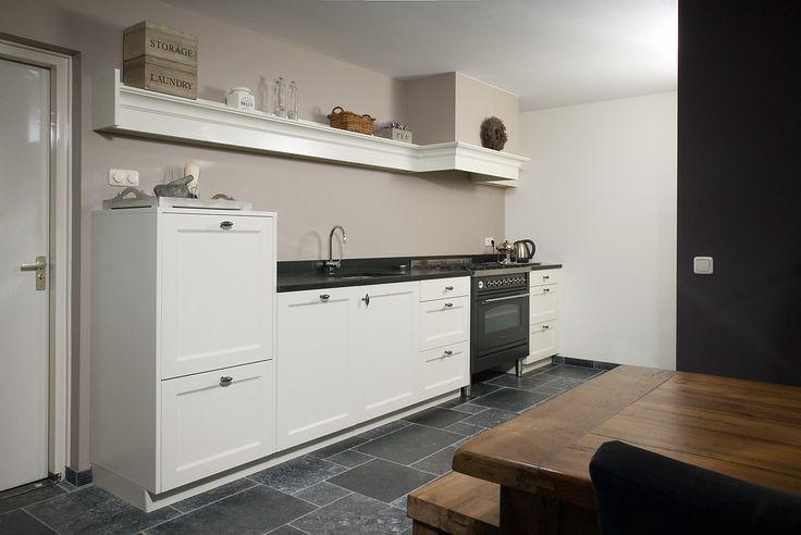 Kleur Moderne Keukens: Showroomkeuken keller como kleur basalt grijs ...
