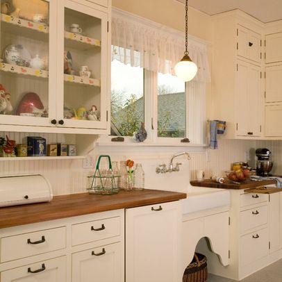 1920's kitchen - wooden counter <3