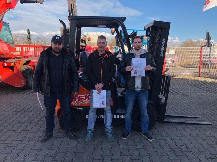 Ein erfolgreicher Abschluss für die Grundausbildung Gabelstapler/Flurförderzeuge (DGUV V68). Herzlichen Glückwunsch.
