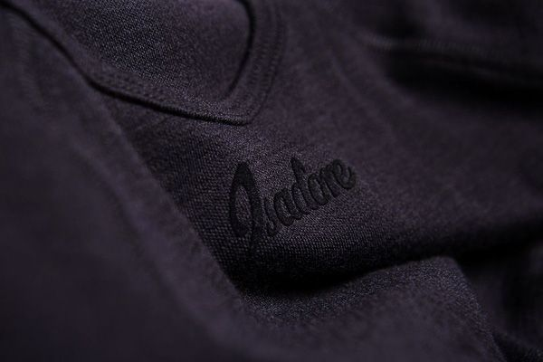 Isadore - 100% Merino Long Sleeve Baselayer Black #cyclingmemories
