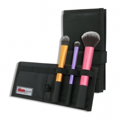 Real Techniques Travel Essentials Kit £20.99 (Mainly for the multi task brush!!)