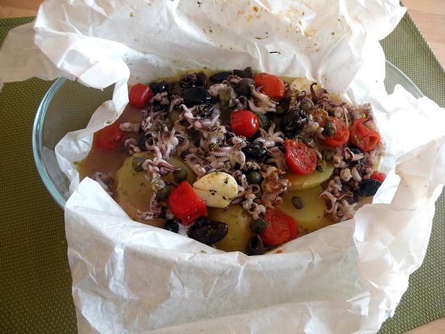 Totanetti al cartoccio con patate e olive e pomodorini by chefpercaso, via Flickr