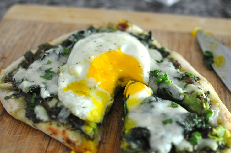 Spinach, Avocado and Pesto Breakfast Naan Pizza