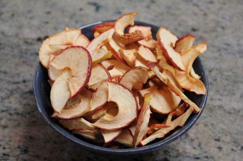 Dehydrator Recipe: Apple chips