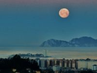 vigo con luna llena