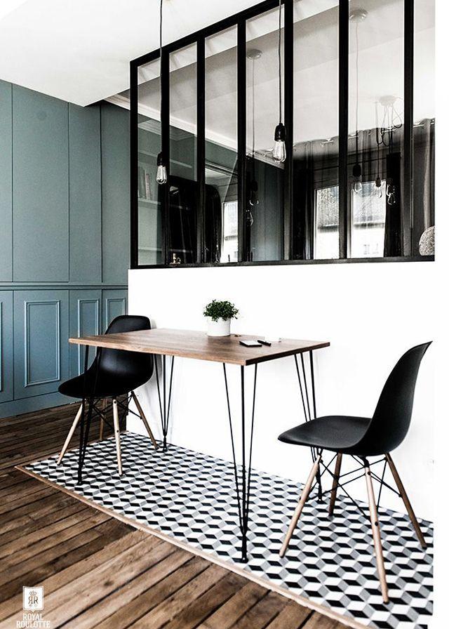 Black and white dining room, Maison Sarah Lavoine. http://www.facebook.com/kenisa.home
