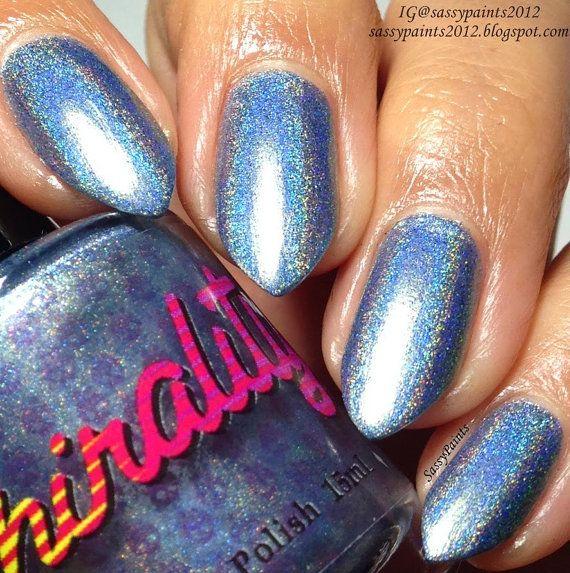 Estoy Loco por Ti. Pale blue linear holo nail polish w/gold