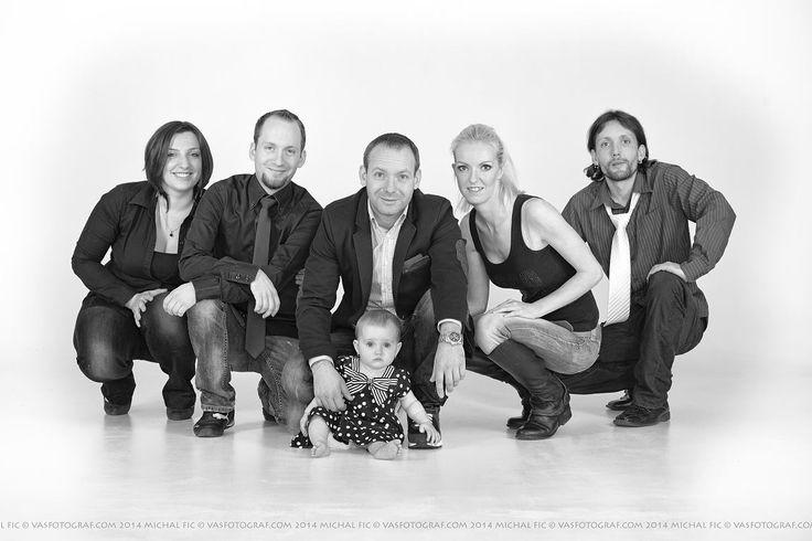 Rodinná portrétní fotografie v ateliéru.