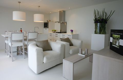 Jan des Bouvrie design: This Dutch designer made some great, simple and white furniture.