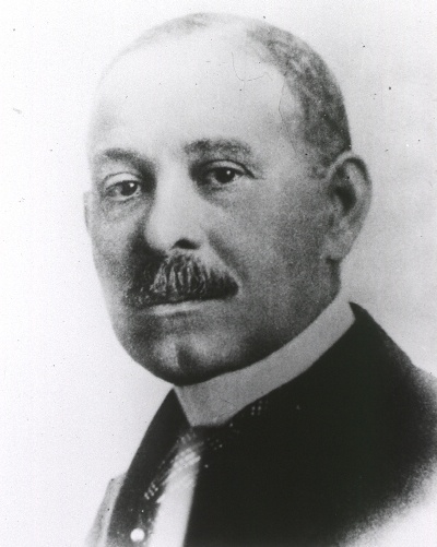 Dr. Daniel Hale Williams graduated from the Chicago Medical School in 1883, and was one of only four doctors african descent in Chicago. Dr. Williams founded the first African American hospital as well as the first nursing course for Blacks. He was the first cardiology surgeon to perform a successful heart surgery with the chest open with a positive result and after the patient recovered, he lived for another 20 years.
