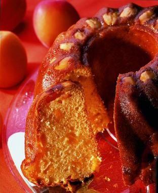 Ein saftiger Rührkuchen mit Aprikosen und Quark