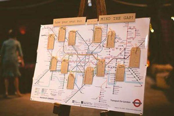 Mapa del underground como plan de seating! #bodas / Underground tube map as the seating chart! #weddings