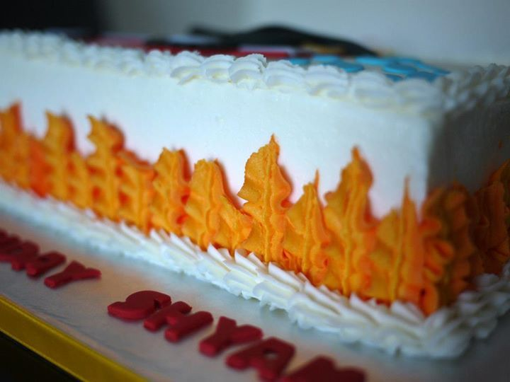 Cake Decorating How To Make Fire : Leaf tip for flames, firefighter cake (Piping) Piping ...