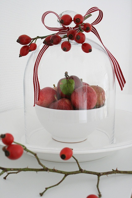 Mini apples and rosehip
