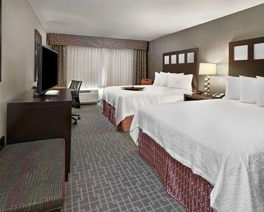 Hampton Inn by Hilton Calgary Airport North Hotel, - 2 Queen Beds