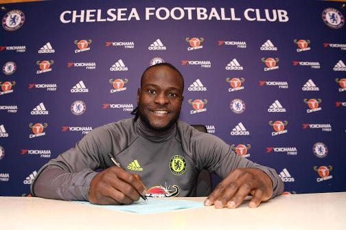 Chelsea winger Victor Moses signs new four-year contract