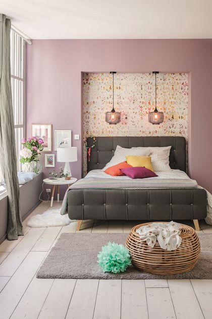 Un lit capitonné pour une ambiance girly à souhait.