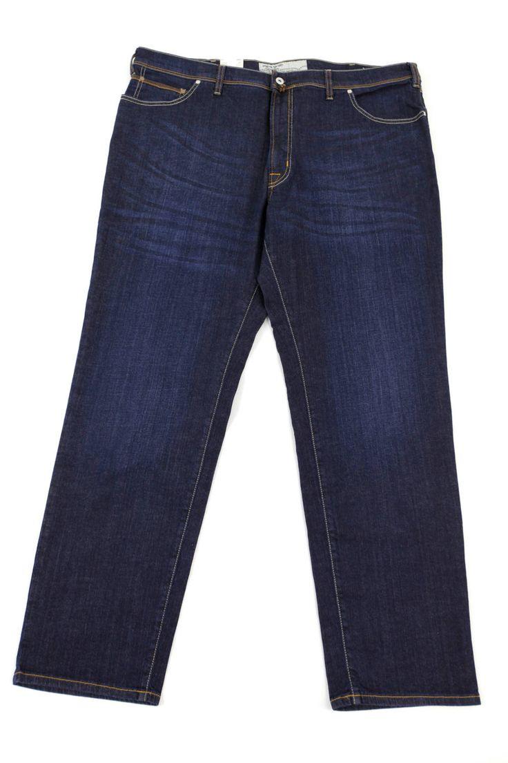 Ciemne jeansy Pierre Cardin dla Panów o dużych rozmiarach. Dostępne w rozmiarach 3XL,4XL, 5XL, 6XL, 7XL, 8XL. Skład: 99% bawełna 1% elastan.