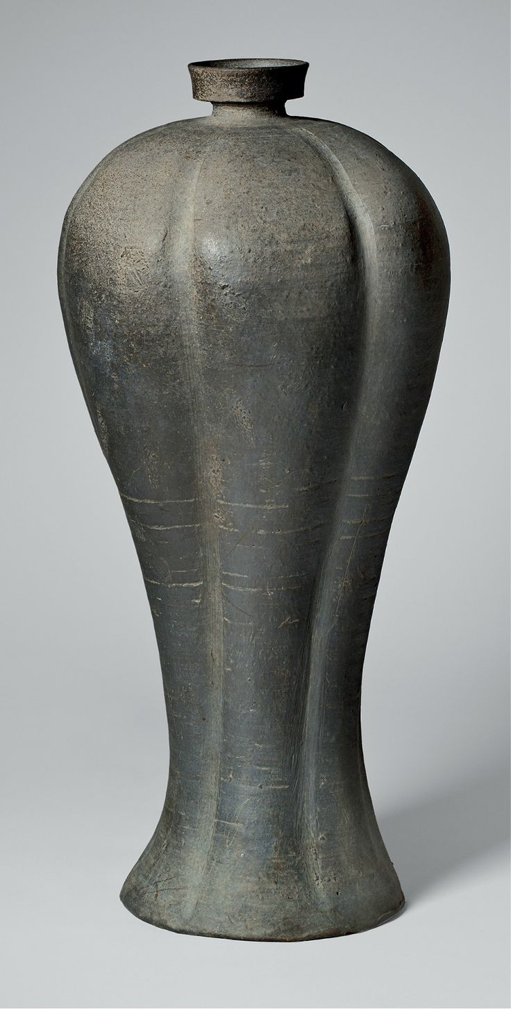 Maebyeong (梅瓶), Goryeo dynasty, 13th century. Stoneware with incidental ash glaze. Mary Griggs Burke Collection, gift of the Mary and Jackson Burke Foundation.