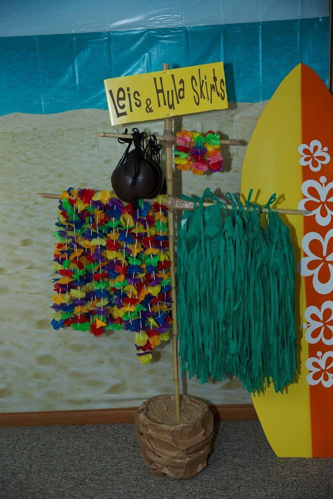 Luau / Hawaiian Birthday Party Ideas | Photo 1 of 18 | Catch My Party