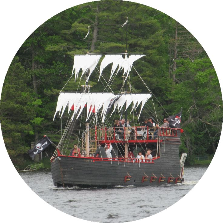 Pirates Hideaway boat tours, Eagle River WI