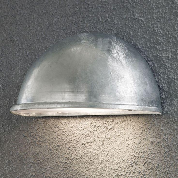 Torino Halvmåne Vegglampe Stor - Utebelysning | Designbelysning.no