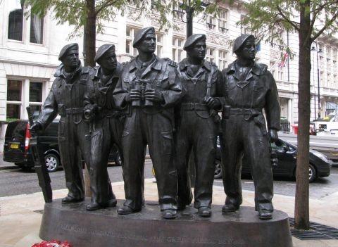 memorial day parade near chicago