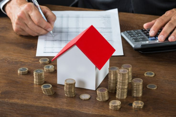 La possibilité de rétablir une certaine équité fiscale entre locataires et propriétaires refait surface. Il s'agirait en réalité d'une « taxe sur les loyers implicites ». Préconisée par de nombreux économistes, cette taxe est également suggérée par l'OFCE,...