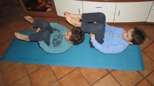 Quaranta giochi di rilassamento, Per bambini da 5 a 12 anni, yoga per bambini, giochiamo allo yoga, libro di yoga per bambini.