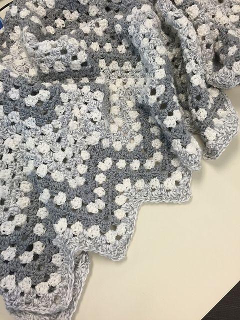 Free Ripple Waves Baby Blanket Crochet Pattern #crochetideas #crochetlove