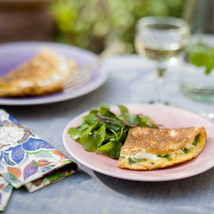 Omelette corse au brocciu et à la menthe.
