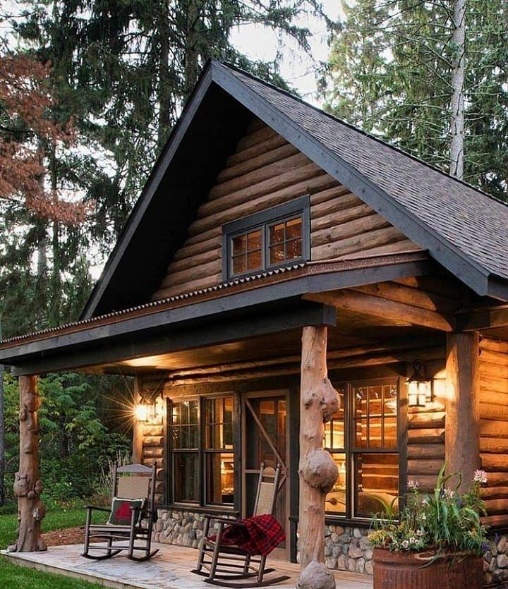 противоречивые хорошенький деревянный домик фото цвета
