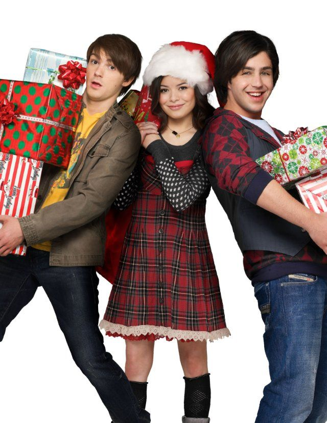 Drake Bell, Josh Peck and Miranda Cosgrove in Merry Christmas, Drake & Josh