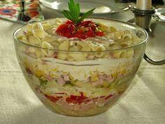Domowe ciasta i obiady: Sałatka z szynką i makaronem