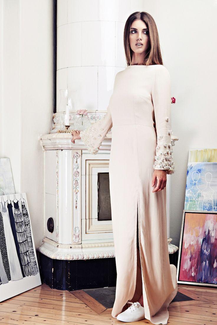 Lookbook SS15 Viktoria Chan fashion label, Scandinavian fashion, Balklänning