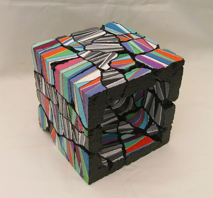 les 19 meilleures images propos de cubes b ton sur pinterest violettes cubes et graphisme. Black Bedroom Furniture Sets. Home Design Ideas
