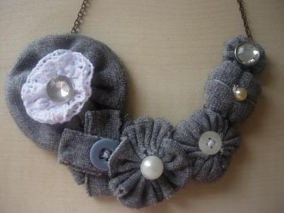 collar de tela y abalorios, unico diseño collar tela,abalorios  botones,cadena cocido