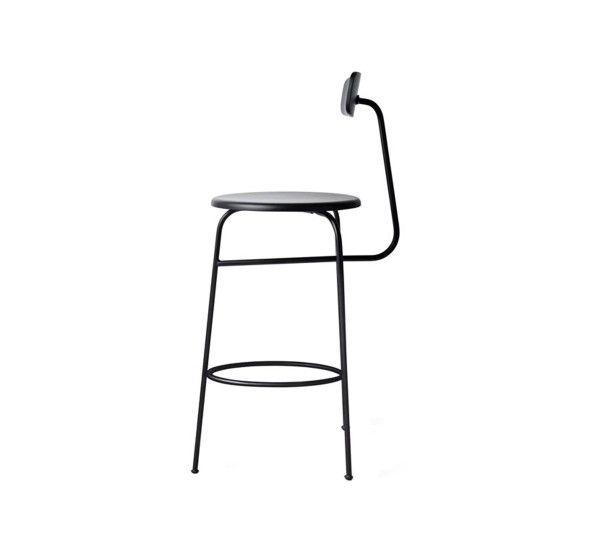 Afteroom Bar è uno sgabello ideato da Afteroom per Menu, realizzato in acciaio verniciato, seduta in legno. Afteroom Bar è uno sgabello,perfetto siain in cucina, sia in zone pubblichecome davanti a unbar. Ideato nella sede diStoccolma, dalduotaiwaneseHung-MingChene ChenWei-Yen, notoanchecomeAfteroom lo stessoChen-YenWei ha detto: